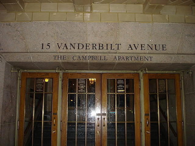 Campbell_Apartment_Entrance-old-800px-mnmt.jpg