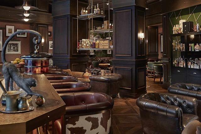 new-york-2017-fine-dining-office-04-cropmnmt.jpg